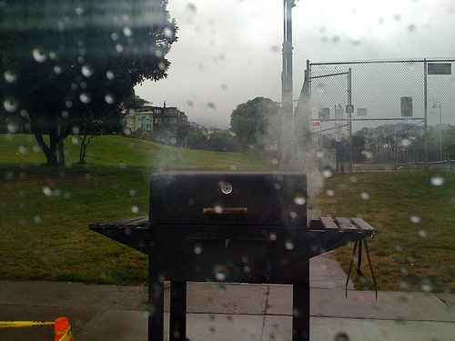 bbq_in_the_rain