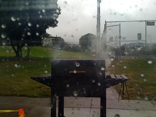 bbq_in_the_rain